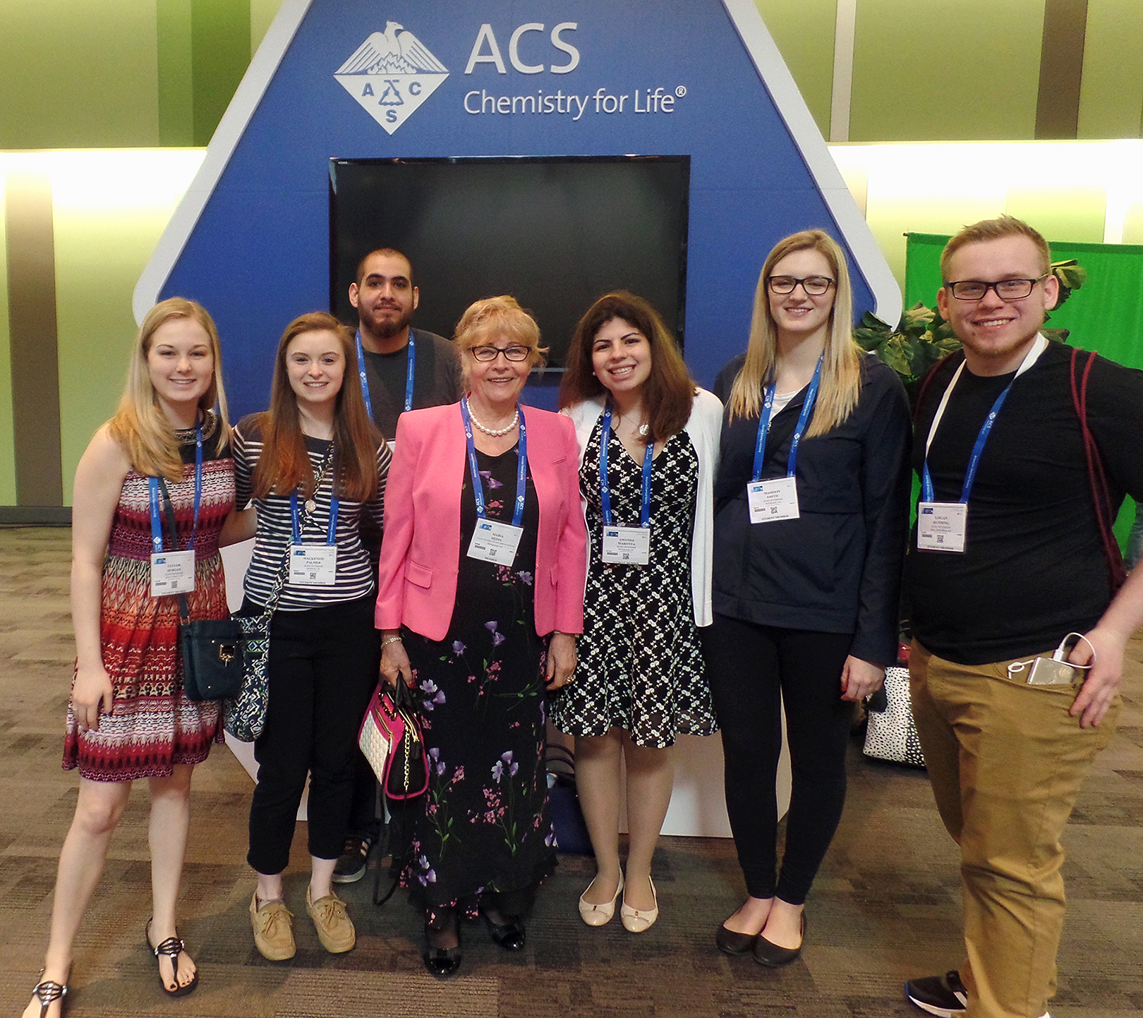 Photo of Dr. Maria Hepel and her students at the 253rd National Meeting of the American Chemical Society in San Francisco