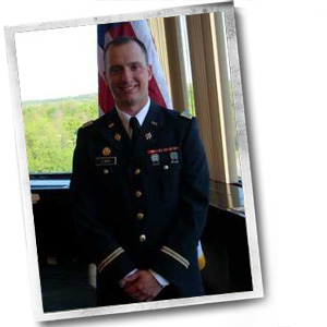 Alumni Mark Lynch at his Commissioning into the US Army