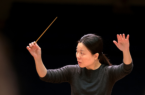 Ching conducting